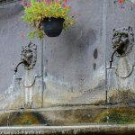 La Fontaine rue des Charnats