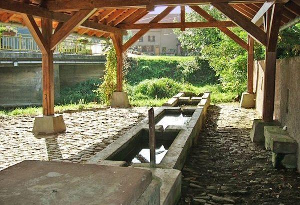 La Fontaine Lavoir Hirtenbrunnen