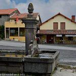La Fontaine Place des Parisières