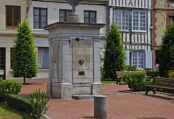 La Fontaine Place de la Fontaine de Fervaques