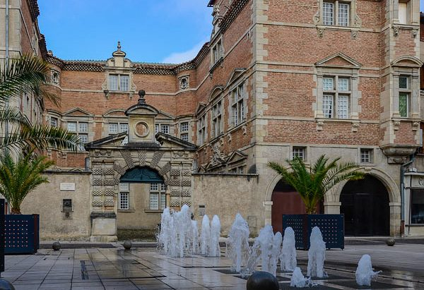 La Fontaine Place J.P. Cabarrou