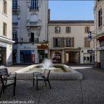 La Fontaine rue Bourg Neuf