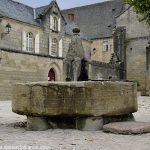 La Fontaine Place de l'Abbatiale