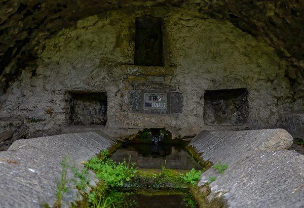 """La Fontaine-Lavoir """"Le Qué"""""""