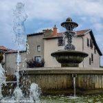 La Fontaine Place de la Croix Blanche