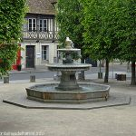 La Fontaine Place du Tribunal