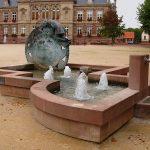 La Fontaine Place du Château