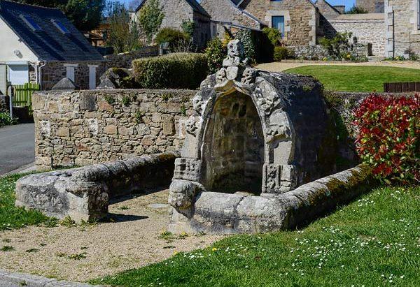 La Fontaine rue Saint-Yves