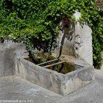 Fontaine près du Pont du Lèze