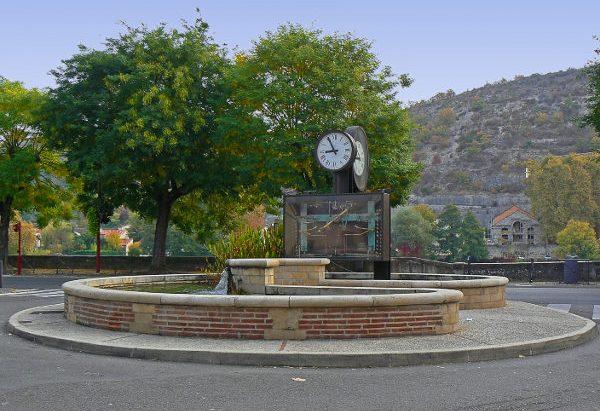 La Fontaine de l'Horloge Monumentale à Billes