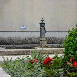 La Fontaine Place Piza