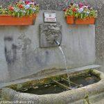 La Fontaine rue de Teyras Grandval