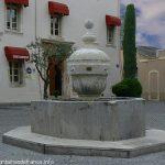 La Fontaine Place de l'Esplan