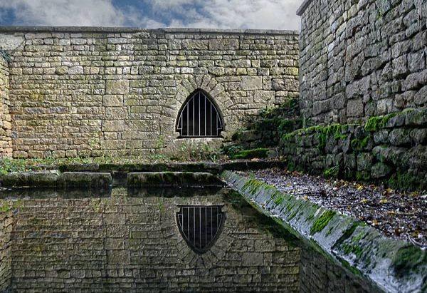 La Fontaine et le Lavoir de Longepierre