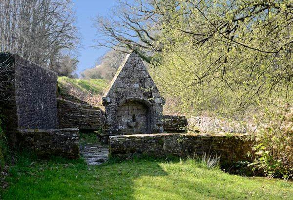 La Fontaine Notre-Dame de Crénénan