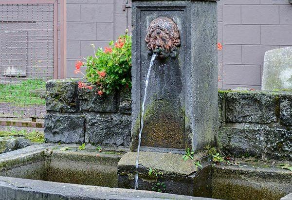 La Fontaine Place du Petit Mèze