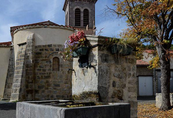 La Fontaine Place de l'Eglise de Jussat