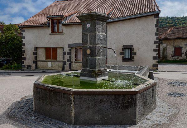 La Fontaine Place de la Fontaine de Fonfreyde