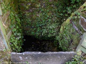 La Fontaine de La Douve-aux-Louais
