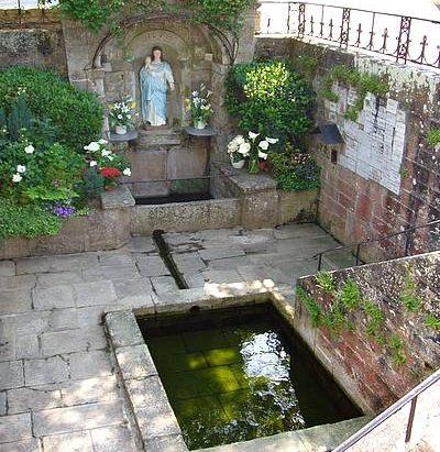 La Fontaine  Notre-Dame du Roncier