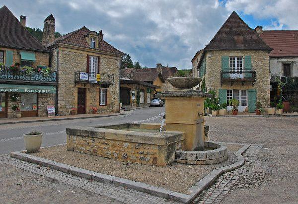 La Fontaine Place de la Liberté