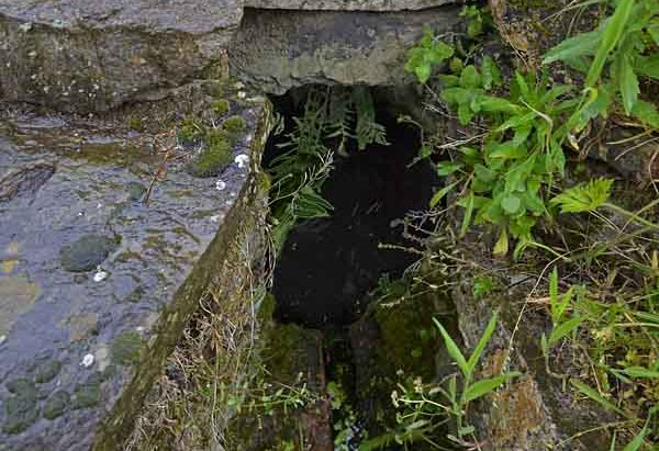 La Fontaine-Lavoir Saint-Pierre