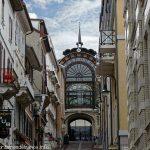 Sortie de l'Ancienne Buvette rue Nationale