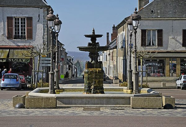 La Fontaine Place Henri IV