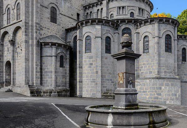 Fontaine Place de la Basilique