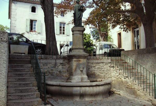 La Fontaine Place de la Révolution