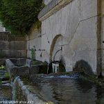 La Fontaine Saint-Gervais, Saint-Protasi