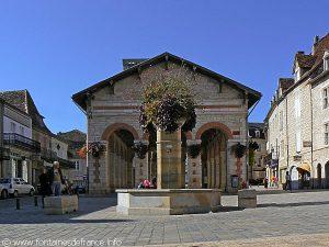 La Fontaine Place de la Halle