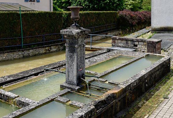 La Fontaine Route de Le Vernoy