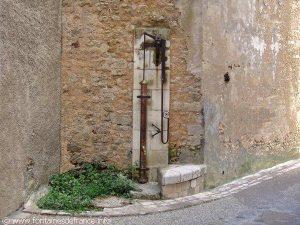 La Fontaine rue Porte Caillon