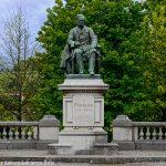 La Statue de Pasteur