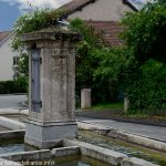 La Fontaine rue des Lilas
