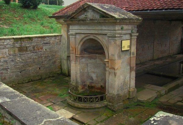 La Fontaine du Calot dite à Genoux