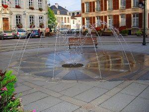 La Fontaine Parvis de l'Eglise N.D