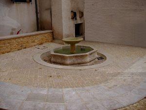 La Fontaine Place de Guingois