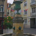 La Fontaine Place Foire-le-Roi