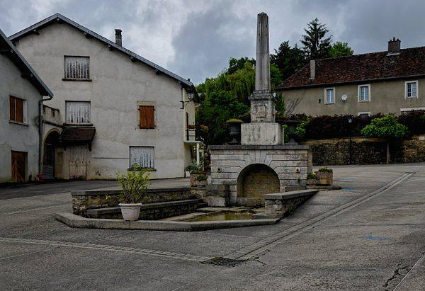 La Fontaine Place Claude Dejoux