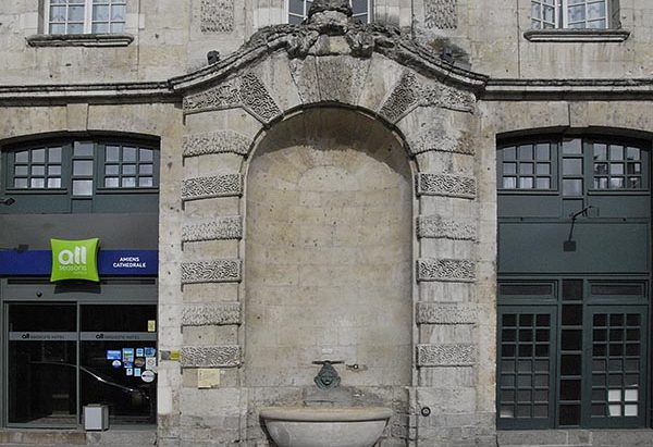 La Fontaine Place au Feurre