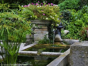 La Fontaine Lavoir Abreuvoir