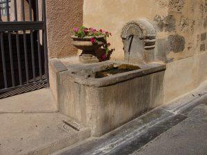 La Fontaine rue de la Chapelle