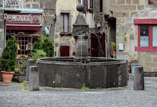 La Fontaine Place du Docteur Alfred Pipet