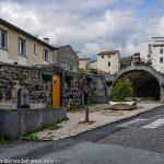 Fontaine et lavoir rue Nestor Perret