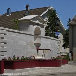 La Fontaine rue Neuve