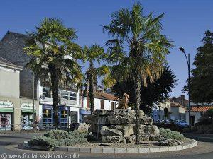 La Fontaine du Lion des Quatre Chemins