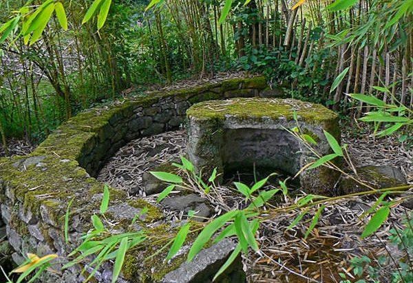 Fontaine de Dévotion Hameau de Conore