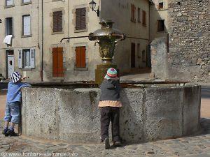 La Fontaine Place de la Vigne